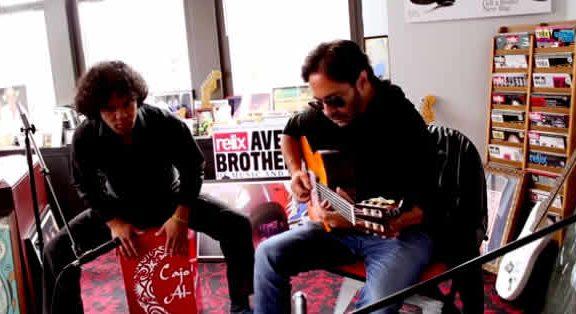 imagen de al di meola grabando all my life disco de jazz tributo a the beatles