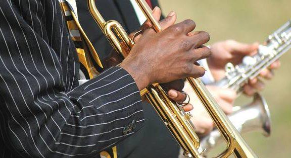 que es el swing en el jazz, tocar jazz con swing